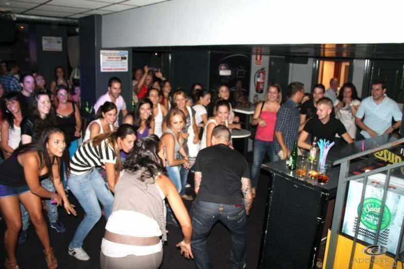 Bailes de salsa Bar Adestra