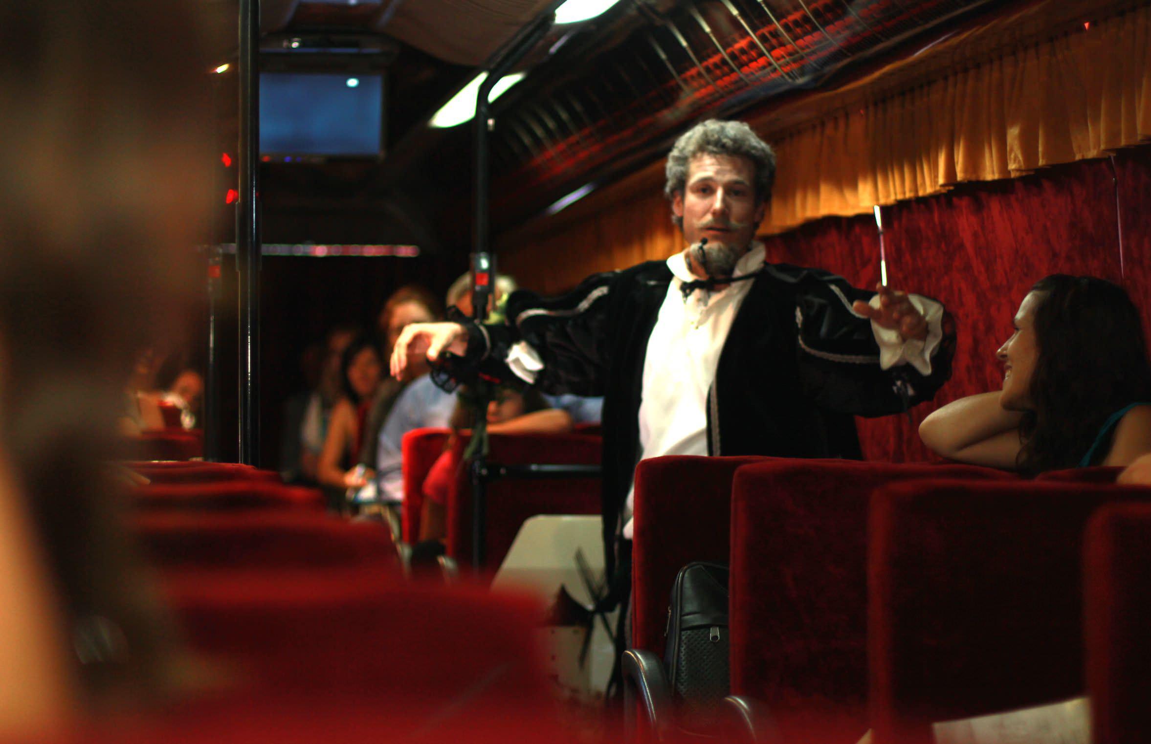 Teatro Bus: Obras sobre ruedas - Un buen día en Madrid