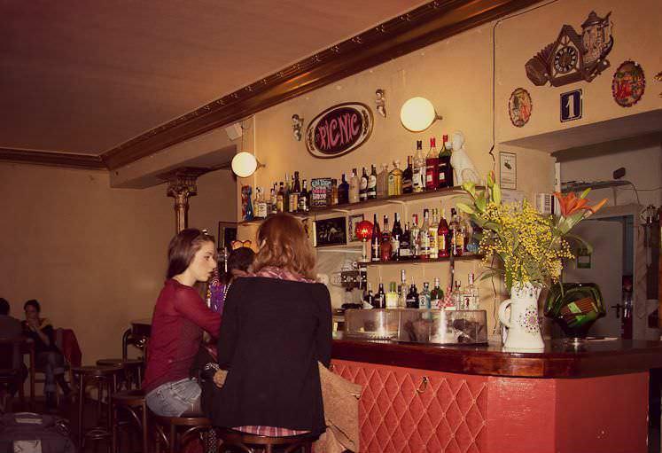 Bar Picnic