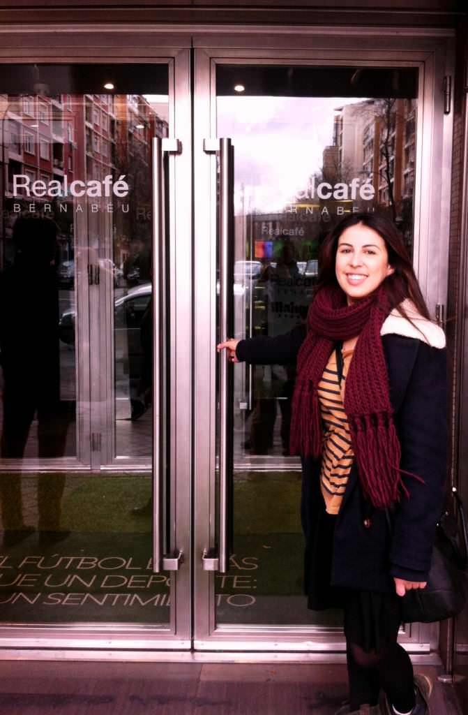 Alba de Ubdem antes de comer en el Real Café Bernabéu