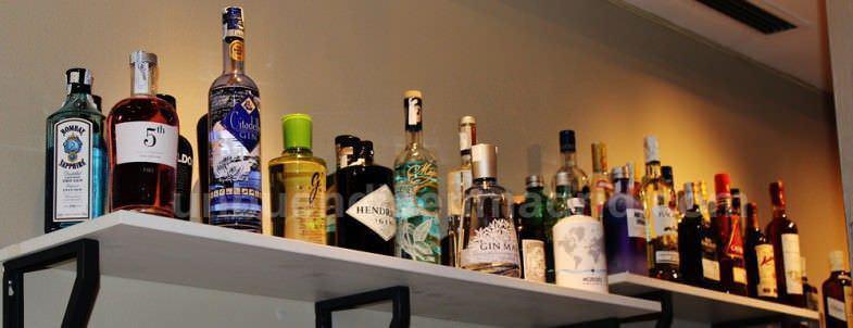 Botellas de ginebra para los gintonics a 9€ o 8€ en oferta semanal