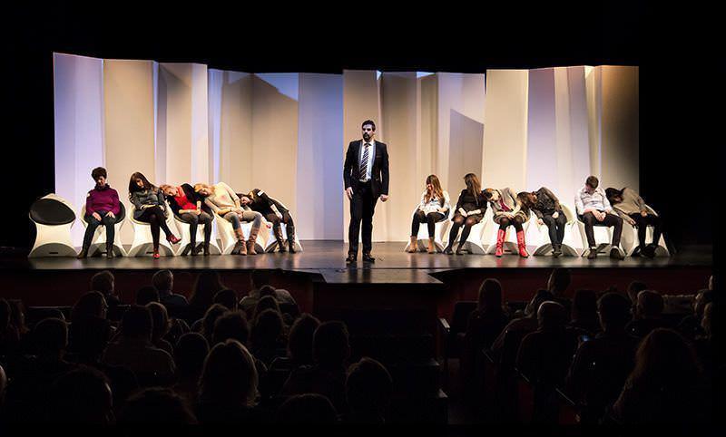 Durante el show hipnotizó a casi 20 personas