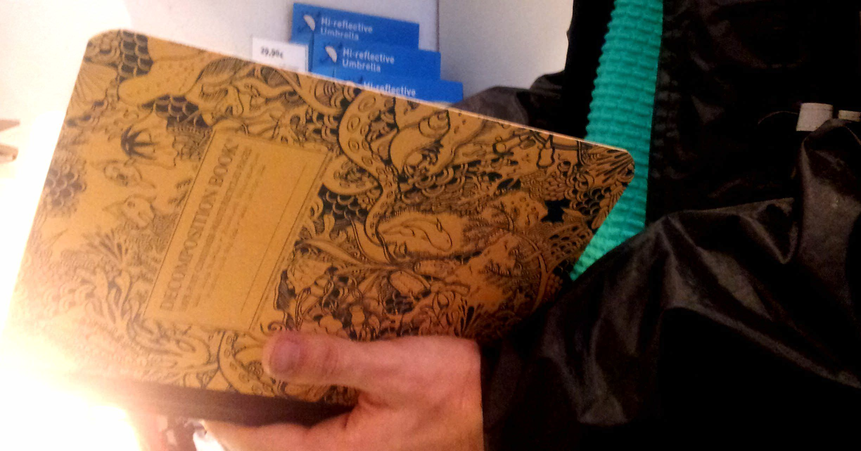 "Cuaderno Ecológico ""Decomposition Book"" Fondo Marino de Michael Roger Inc."