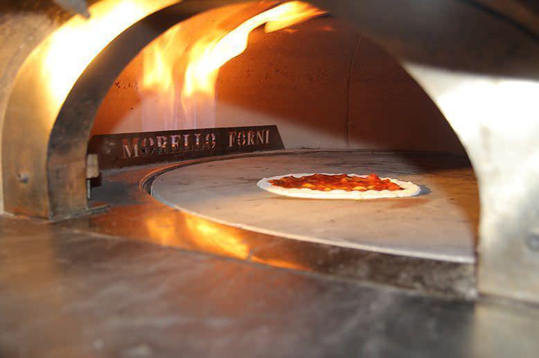 El horno es una pasada y hace muy buenas pizzas