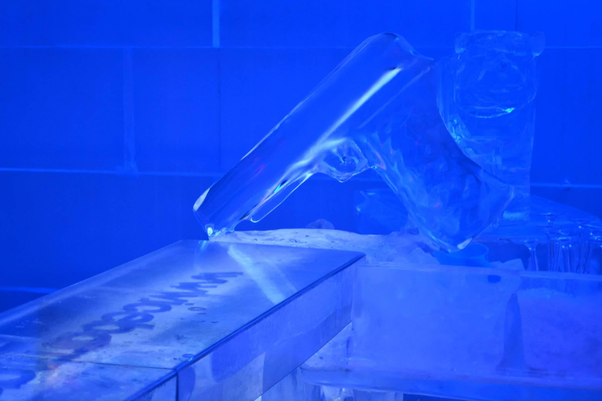 Pistola de hielo tallada a mano