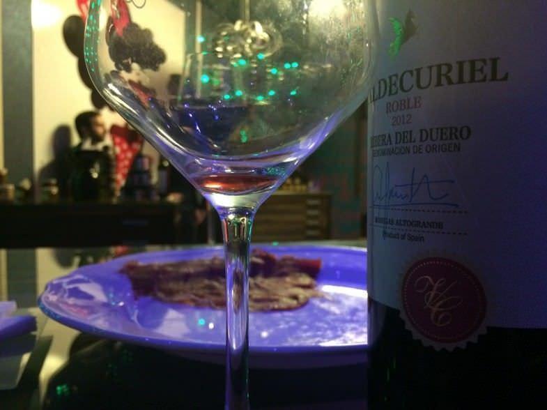 Copa de vino con Cecina Ibérica