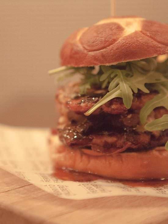 Apetitosa hamburguesa de Perrito Faldero