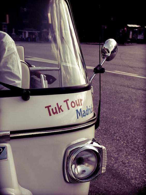 Tuk Tour Madrid - Un buen día en Madrid