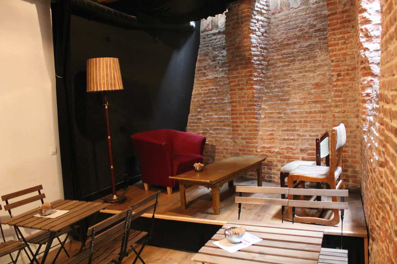 La Infinito Caf Libros Y Arte Un Buen D A En Madrid # Muebles Tirso De Molina
