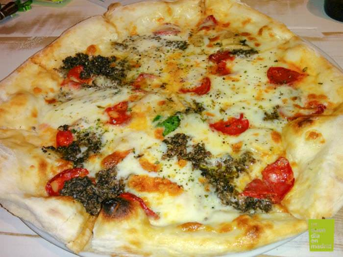 Pizza Napoli • Un buen día en Madrid