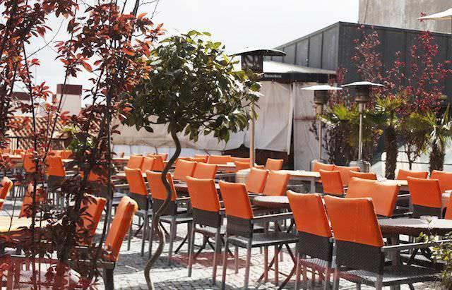 Terraza de Gau&Café desde el interior
