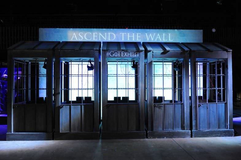 Cabinas para ascender al Muro virtualmente