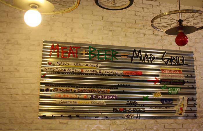 Placa Mad Grill