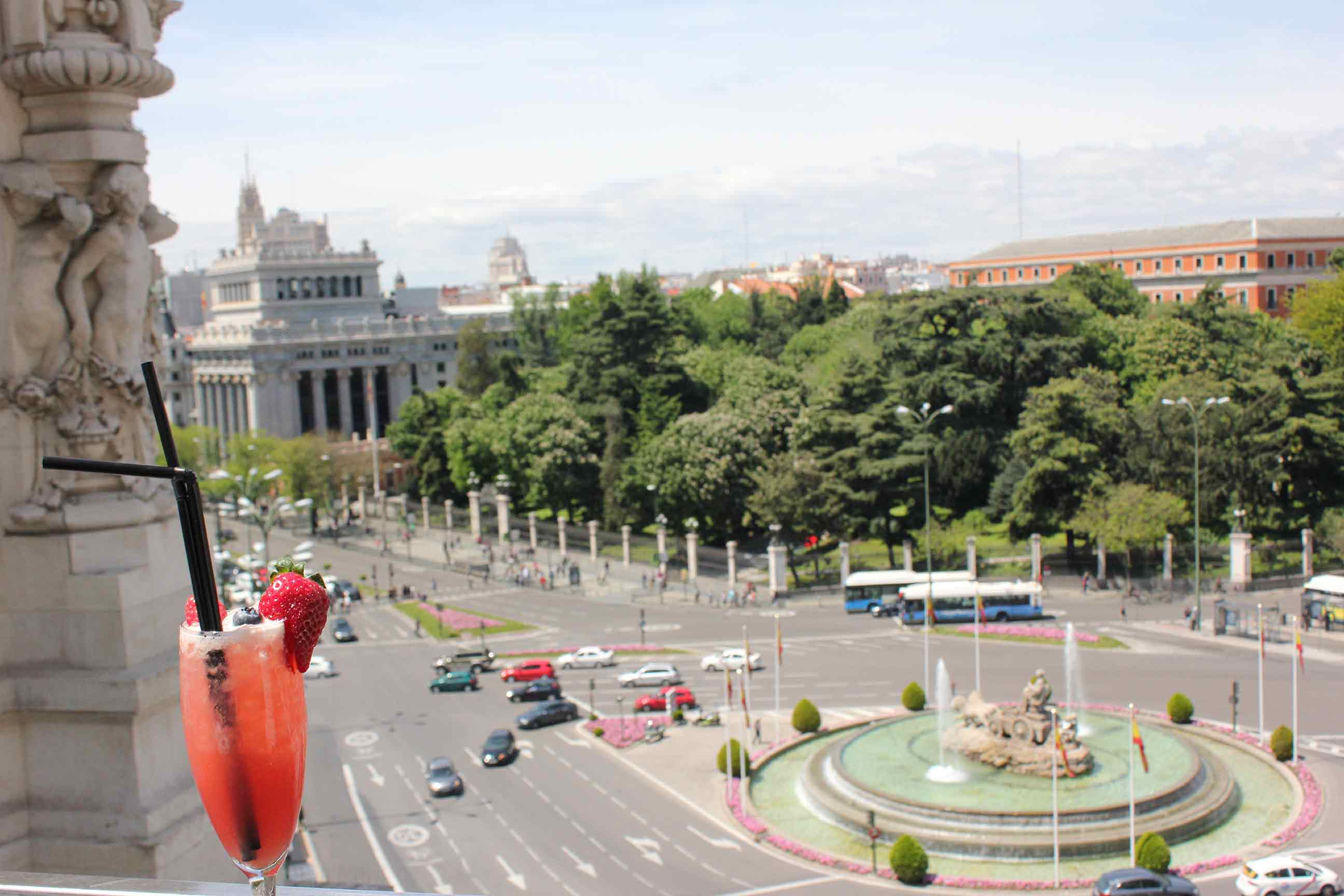 Terraza Cibeles Un Buen Día En Madrid
