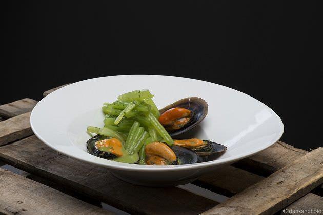 Borraja en salsa verde con mejillones | Restaurante Floren Domezain