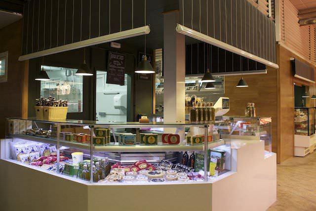 Abacería Lambuzo en el Mercado de Chamberí