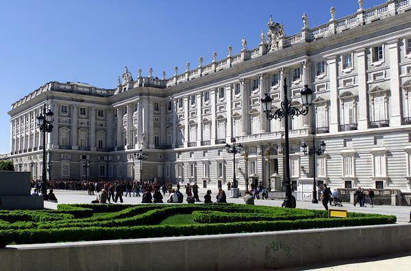 Alrededores palacio real
