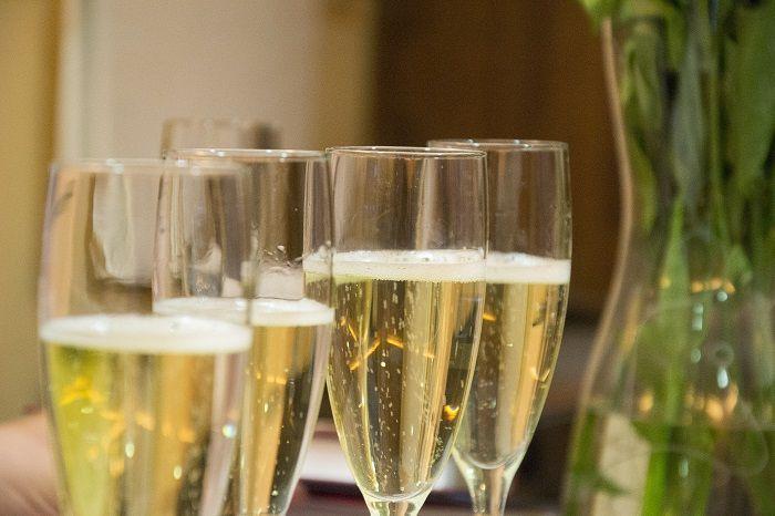 champán y caviar