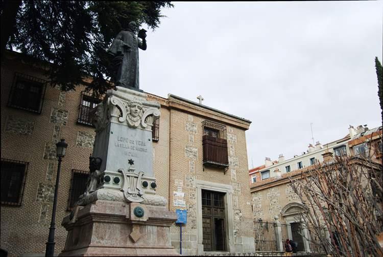 Lope de Vega custodiando el Monasterio de La Encarnación.