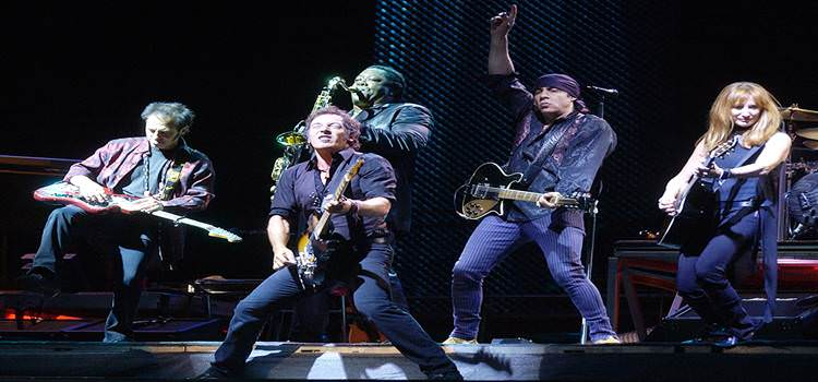 Bruce Springsteen con su inseparable E Street Band