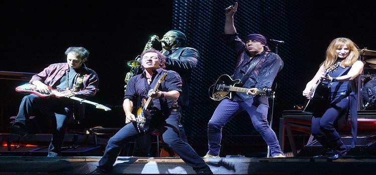 Bruce Springsteen con su inseparable E Street Band