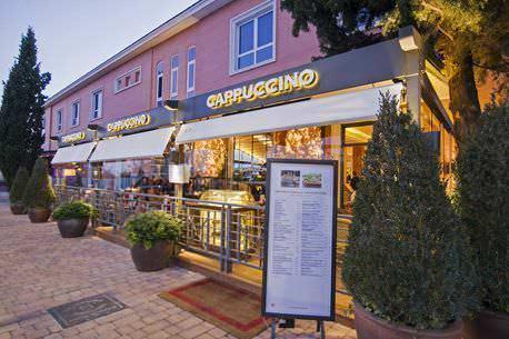 Exterior Terraza Restaurante Capuccino LaMoraleja