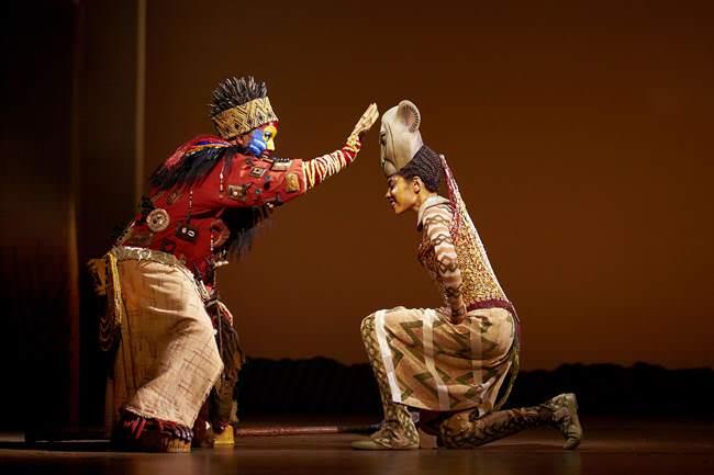 Musical El Rey León Rafiki y Nala