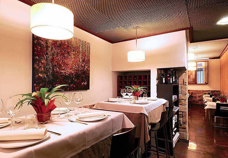 Interior Trattoria Manzoni. Espacio cálido y acogedor.