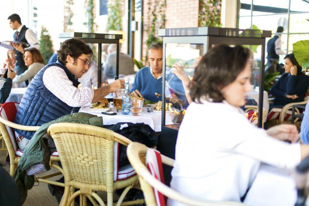 Terraza Restaurante Capuccino La Moraleja en la Plaza de la Moraleja