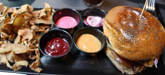 La hamburguesa más sana del mundo esta en Diurno.