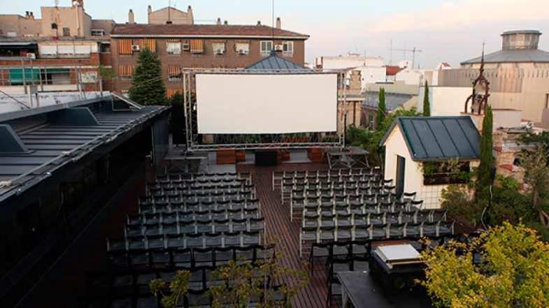 Cine en la terraza de la Casa Encendida en Madrid