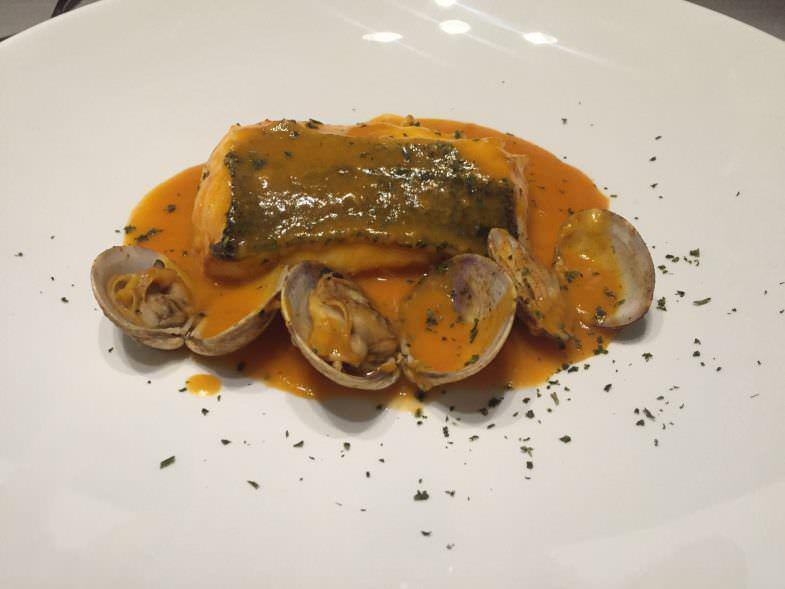 Merluza con almejas Restaurante Asgaya