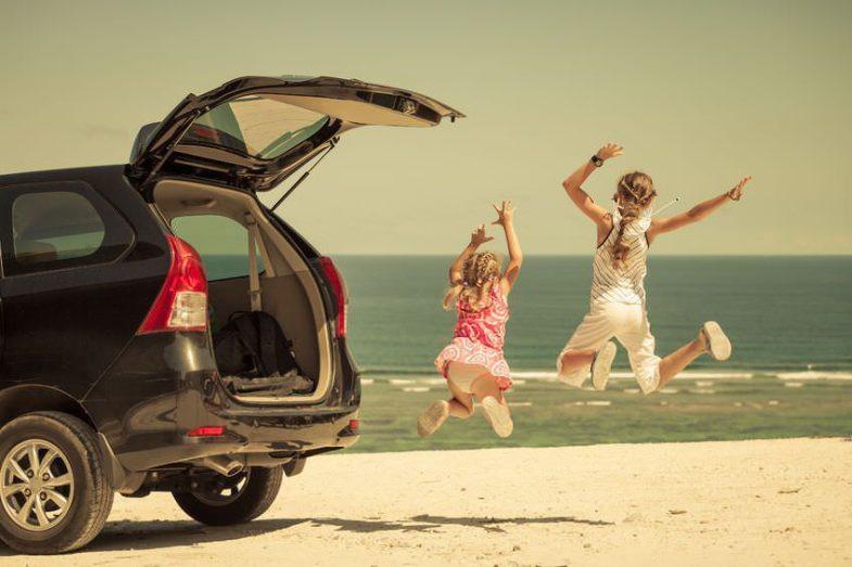 Playa en coche alquilado