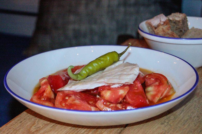 Ensalada de tomates y ventresca en Nitty Gritty