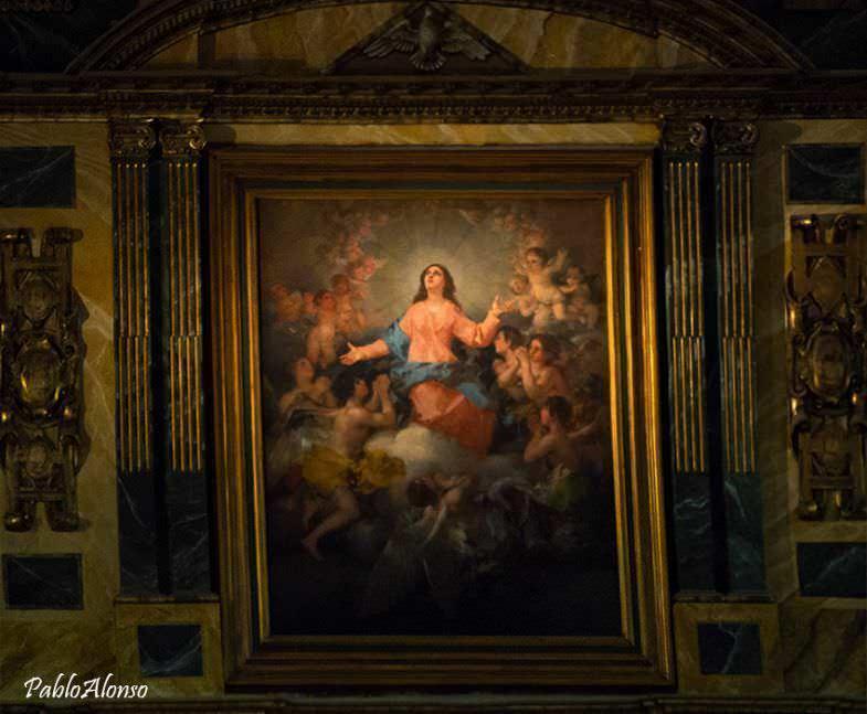 """Cuadro """"La asuncion de la Virgen"""" en el Altar Mayor"""