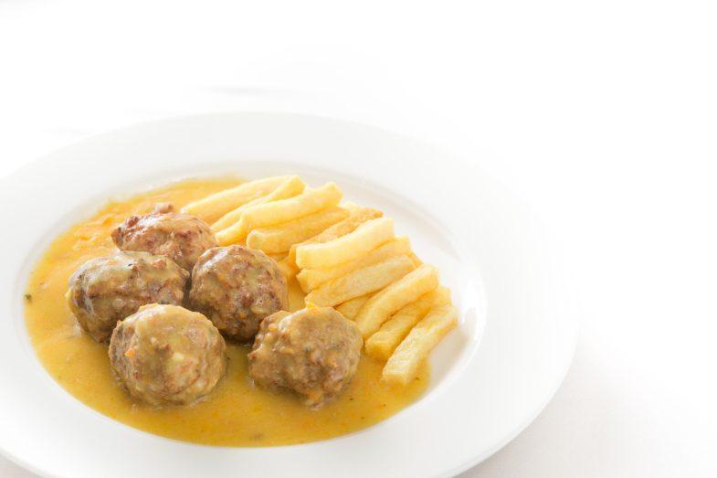 Albóndigas con patatas Restaurante OX