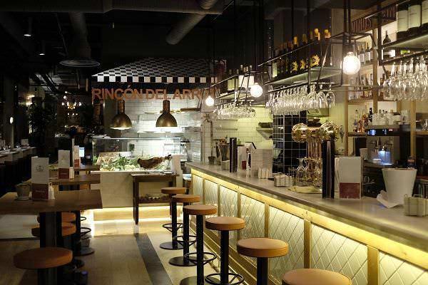 Interior restaurante Barril de las Cortes