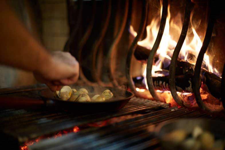 Berberechos a la brasa en Restaurante Fuego