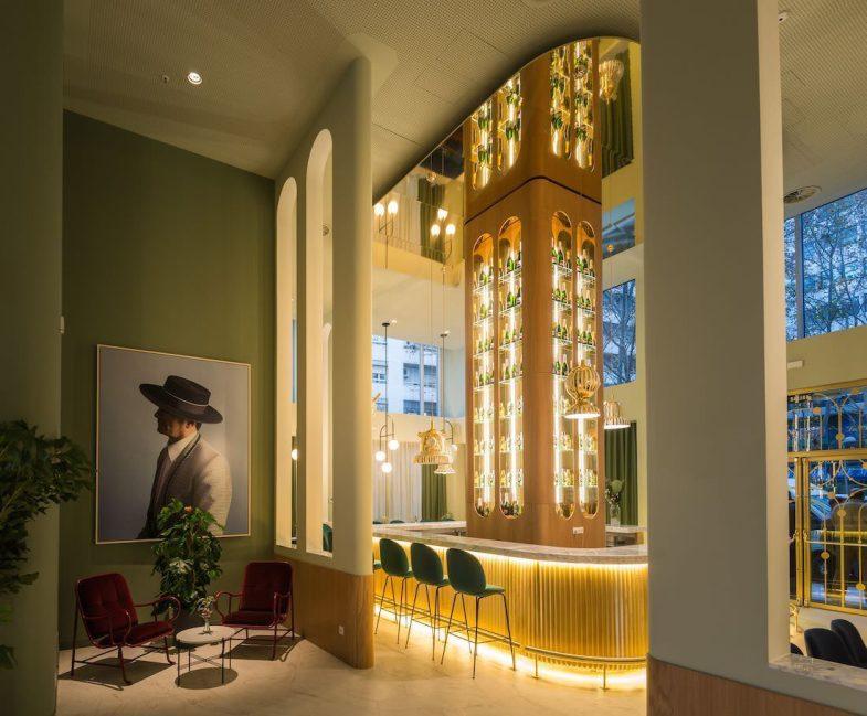 Lobby del Hotel Barceló Torre de Madrid