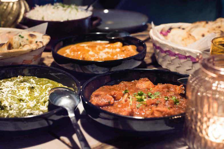 Variedad de currys en Surya Callao