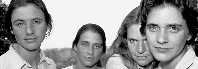 """Fotografía de la serie """"Las hermanas Brown"""", en 1980"""