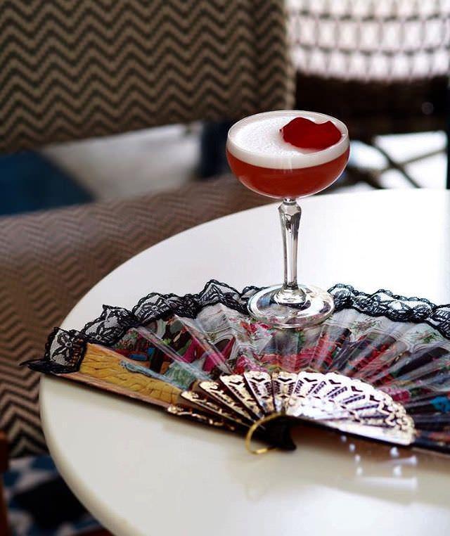 Coctelería diseñada por Carlos Moreno