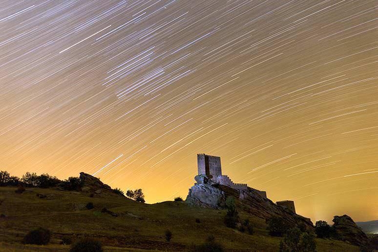 Torre de la Alegria con firmamento