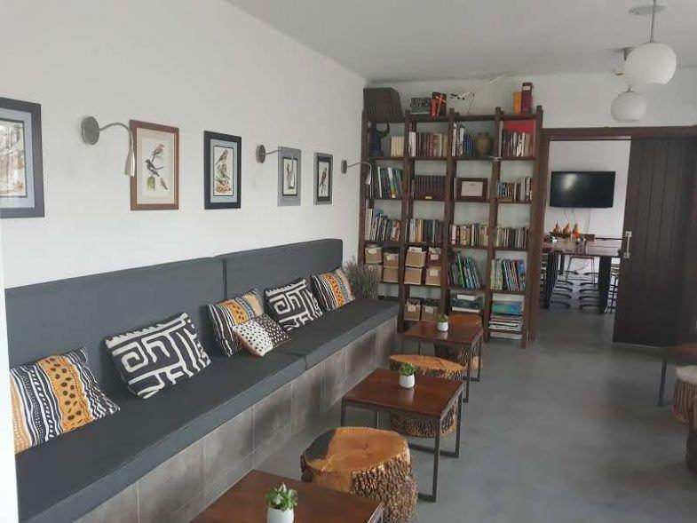 Biblioteca El Hotelito