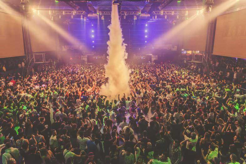 sala-principal-discoteca-fabrik-megatron
