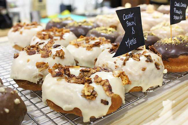 Donut vegano de coconut bacon and maple