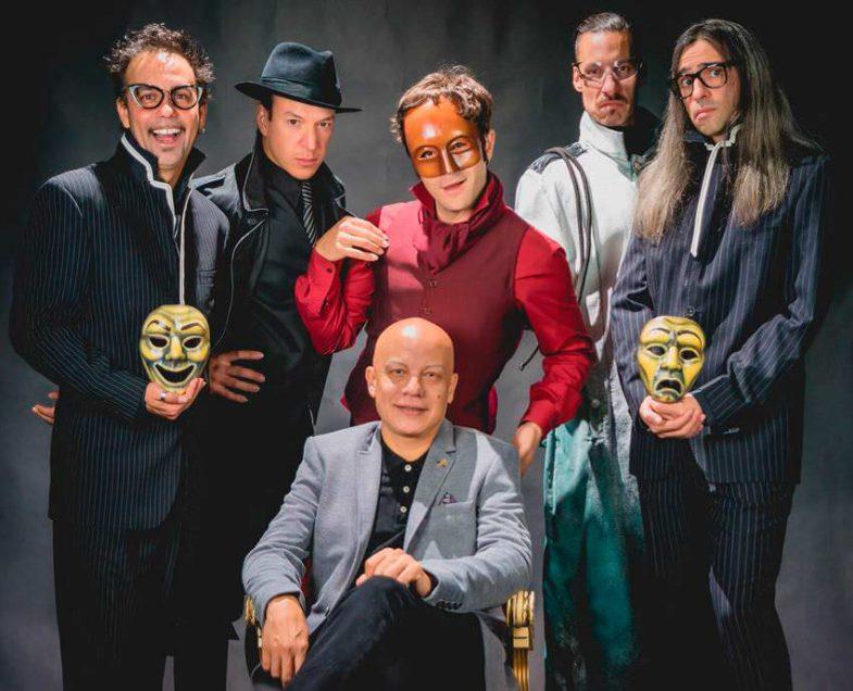 Crimen y Telón. El elenco artistico con el director Yayo Caceres