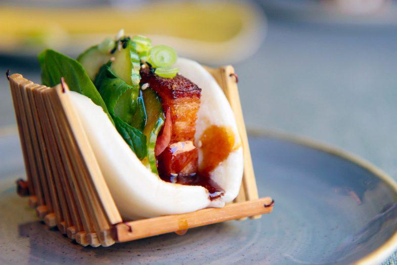 Bao de Panceta cocida en caldo Cantonés y frita