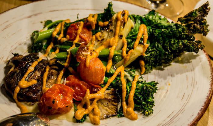 verduras hipster con salsa romescu