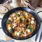 Trigo seco en paella de verduras